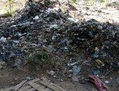 شكوى من تراكم أكوام القمامة بترعة الساحل بالقناطر الخيرية