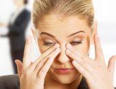 اسباب حرقان العين عديدة منها الجفاف وتقشر الجفون