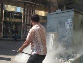 فيديو.. إطفاء نيران شبت بجوار محول كهرباء بميدان التحرير
