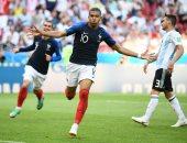 كيليان مبابى يشارك فى هدف كل 89 دقيقة مع فرنسا وسان جيرمان.. فيديو