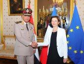وزير الدفاع يعود إلى القاهرة بعد زيارة رسمية لفرنسا  - صور