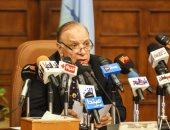 فيديو.. سيدة تستنجد بمحافظ القاهرة خلال جولته بمستشفى المنيرة