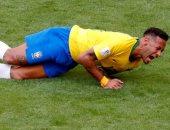 سوبر كلاسيكو.. عنف ضد نيمار فى قمة البرازيل والأرجنتين بعد 15 دقيقة.. فيديو