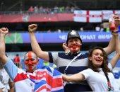 صور.. توافد جماهير إنجلترا والسويد لمؤازرة فريقهم بدور الثمانية