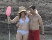 صور.. كيت وينسلت فى إجازة رومانسية مع زوجها نيد روكنرول بإسبانيا