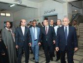 صور.. رئيس جامعة أسيوط يتفقد أول وحدة رنين مغناطيسى بالمستشفيات الجامعية