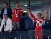"""كأس العالم 2018.. 10 صور تمنح رئيسة كرواتيا لقب """"حديث الصباح والمساء"""""""