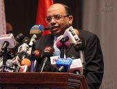 وزير التنمية المحلية يعد النائب محمد الحسينى بحل أزمة موقف مقار فى الدقى