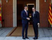 صور.. رئيس الحكومة الإسبانية يلتقى رئيس إقليم كتالونيا الجديد لأول مرة