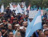 صور.. تجدد الاحتجاجات فى الأرجنتين ضد إصلاحات الحكومة