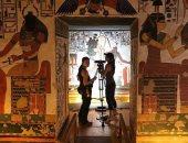 فيديو.. الآن يمكنك أخذ جولة داخل مقبرة الملكة نفرتارى بفضل الواقع الافتراضى