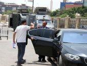 صور.. وصول أعضاء نقابة الصحفيين نيابة أمن الدولة لحضور التحقيق مع مكرم محمد أحمد