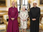 صور.. الإمام الأكبر يلتقى ملكة بريطانيا فى لندن