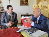 """""""أخبار مصر"""" يروى تفاصيل وحكايات خاصة عن حياة دكتور مفيد شهاب"""