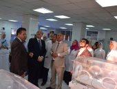 صور وفيديو.. محافظ بنى سويف يطمئن على حضانات مستشفى ناصر العام