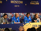 المصرى محمد ثابت يدير المؤتمر الصحفى لنهائى كأس العالم.. فيديو وصور