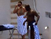 شاهد كيف تستمتع كريس جينر وصديقها بإجازتهما على يخت Tommy Hilfiger