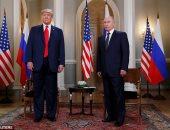 صور.. أخطاء فادحة يرتكبها ترامب فى لقاءاته الرسمية