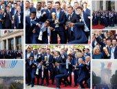 منتخب فرنسا وماكرون يرقصون على سلالم الإليزية احتفالا بالتتويج بكأس العالم