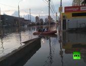 فيضانات تجبر سكان مدينة كراسنودار الروسية على التنقل بالقوارب