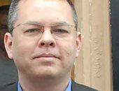 محكمة تركية تقرر استمرار حبس القس الأمريكى احترازيا