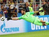 سوبر كلاسيكو.. بيكر يلعب بالنار فى قمة البرازيل ضد الأرجنتين بعد 30 دقيقة