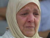 بكاء والدة لاعب نهضة بركان المتوفى قبل إنطلاق لقاء المصرى.. صور
