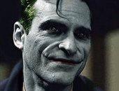 خواكين فينيكس فى شخصية الـ Joker بأحدث أفلام Warner Bros