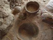 الآثار تعلن عن كشف أقدم ورشة لصناعة فخار الدولة القديمة بأسوان.. صور
