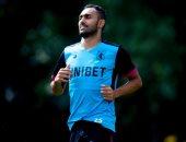 أحمد المحمدى ينتظم فى تدريبات أستون فيلا استعدادا للموسم الجديد