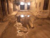 صور.. غرق شارعى 14 و16 فى الفلكى بالإسكندرية بمياه الصرف الصحى