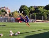 حارس أتلتيكو مدريد يتقمص دور رونالدو بمقصية رائعة فى التدريبات.. فيديو