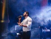 فيديو وصور.. خالد سليم يقدم أقوى حفلات الصيف بأوبرا الإسكندرية فى حضور أسرته