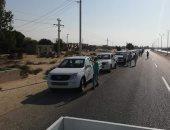 اليوم... محافظ شمال سيناء يسلم 25 سيارة ربع نقل للشباب