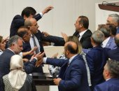 """""""أردوغان يواصل قمعه"""".. أنقرة تحقق مع برلمانيين عارضوا العدوان على سوريا"""