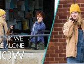 """شاهد تريلر فيلم """"I Think We're Alone No"""" لـ بيتر دينكلاج"""