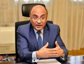 وزير شئون مجلس النواب يكرم شاغلى الوظائف القيادية الأوائل