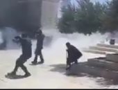 إصابة عشرات المصلين بعد اقتحام قوات الاحتلال للمسجد الأقصى وإطلاق الرصاص