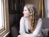 ديزى جونسون.. أصغر كاتبة تصل روايتها إلى قائمة جائزة مان بوكر 2018 الطويلة