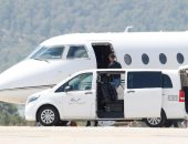 رونالدو يغادر مع صديقته إلى إيطاليا لبدء مشواره مع يوفنتوس.. صور