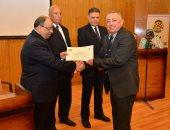 صور.. وزير التنمية المحلية يعلن انتهاء الإجراءات الخاصة بمسابقة المحليات