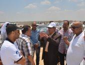 """صور.. محافظ الإسماعيلية يتابع أعمال مشروع محور """"30 يونيو"""" الجديد"""