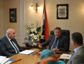 وزير قطاع الأعمال العام يبحث موقف سداد مديونيات الشركات للجهات الحكومية