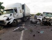 مصرع شخصين وإصابة 7 آخرين فى حادث تصادم بطريق برنيس - الشلاتين