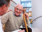 مشاكل صحية وعوامل بيئية تزيد من كسور العظام عند كبار السن.. اعرفها