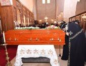 البابا تواضروس باكيًا: رحيل أنبا إبيفانيوس هزنى شخصيًا وكنت استرشد به كثيرا