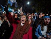 صور.. الأرجنتينيون يتظاهرون ضد قانون الإجهاض فى مدينة أوليفوس