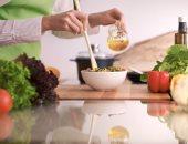اهتمى بأنوثتك واعرفى فوائد هرمون الأستروجين وأهم الأكلات التى تزيده