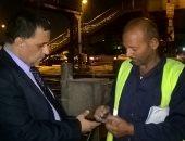 رئيس السكة الحديد يتفقد إصلاح عطل برج إشارات محطة القاهرة