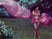 """بعد إنجاب مولودتها الأولى.. كاردى بى ما زالت معتزة بـ """"حملها"""".. صورة"""